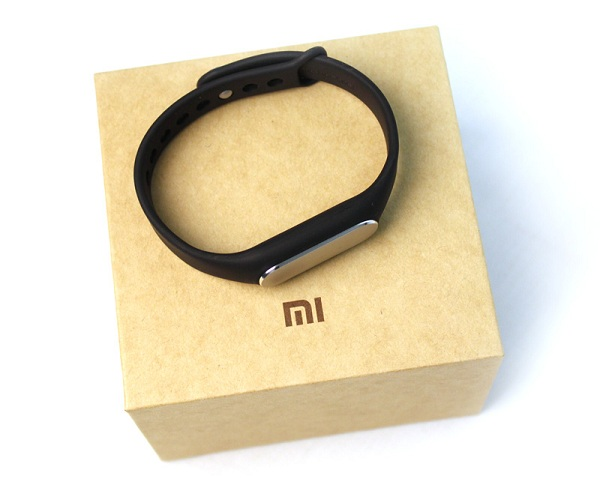 vong-deo-tay-thong-minh-xiaomi-miband-1-giam-28-con-249-000d-3
