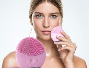 may-rua-mat-foreo-luna-mini-2-04