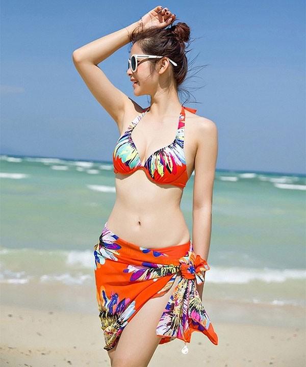 Gợi ý trang phục đi biển phù hợp cho nữ giới trong mùa hè này - ảnh 1