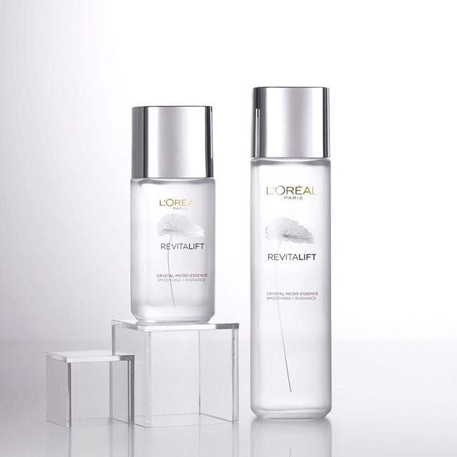 Review dưỡng chất căng mướt da L'Oréal Paris có thực sự tốt như lời đồn?