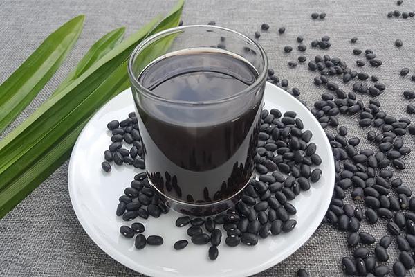 Uống nước đậu đen có tác dụng gì? Nó có thần kỳ như bạn nghĩ?